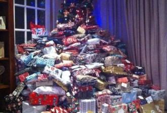 Люди назвали эту маму «отвратительной» после того, как она опубликовала фото с 300 подарками по елкой