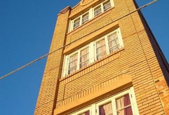 Удивительная афера, которая была связана с самым маленьким небоскребом (4 фото)