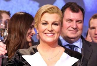 Вы не поверите, но эта «сочная» дама …. президент Хорватии! (7 фото)