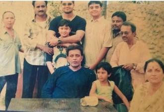 Помните этого индийского актера. Он нашел девочку на свалке. И ребенок… (5 фото)
