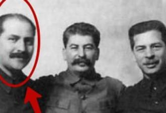 Вы не поверите, кто этот человек рядом со Сталиным!
