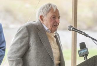 Несмотря на 6 пересаженных сердец, Дэвид Рокфеллер умер на 101-м году жизни (4 фото)