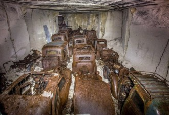 Во Франции нашли спрятанные под землей автомобили 1930-х (5 фото)