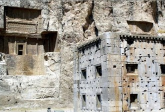 Влюбленные были погребены заживо 28 веков назад (2 фото)