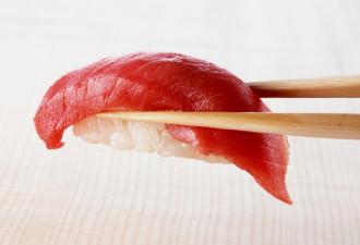 4 простых правила, которые помогут свести к минимуму риск заражения при употреблении суши