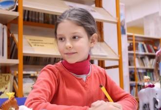 Учительница дала задание представить свою домашнюю работу в классе