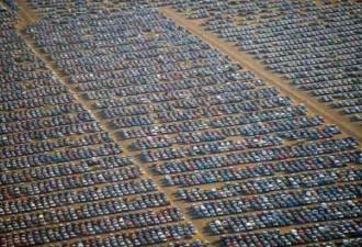 Где остаются тысячи непроданных машин? ( 8 фото)