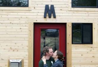 Эта пара построила крошечный дом своей мечты  (11 фото)