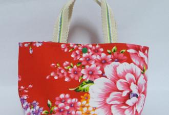 Когда внук увидел, КАК бабушка использует подаренную сумку Louis Vuitton, он потерял дар речи! (3 фото)