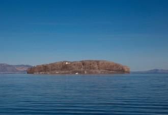 5 островов, которые могут «вспыхнуть» в любой момент (5 фото)