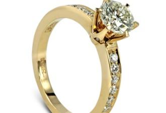 Как мужчина в годах покупал своей юной спутнице кольцо за 40000$