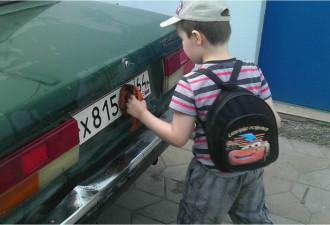 Когда к вам на парковке подойдет похожий мальчик, просто вспомните эту историю
