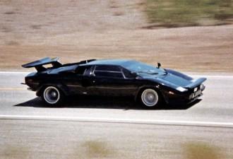 Мужчина потратил 17 лет, чтобы своими руками создать Lamborghini (10 фото)