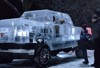 Грузовик изо льда, на котором действительно можно прокатиться (видео)