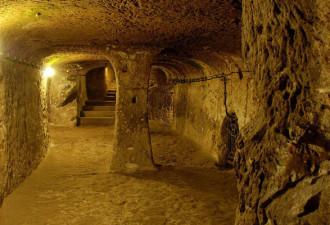 Обнаружены тоннели, ведущие из одной страны в другую… (4 фото)