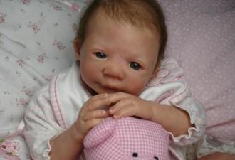 «Искусственные младенцы»: что такое куклы реборн и почему все больше людей предпочитают эти странные игрушки  (3 фото,видео)