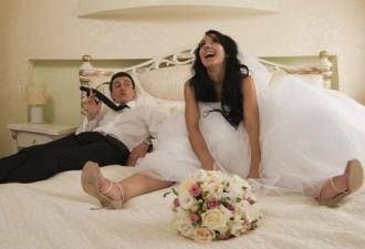 Классический анекдот на тему: Первой брачной ночи