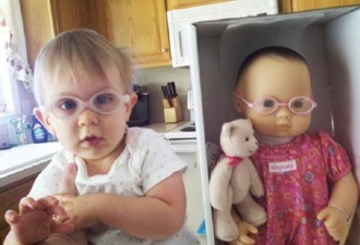 Фото детей, которые очень похожи на своих кукол (11 фото)