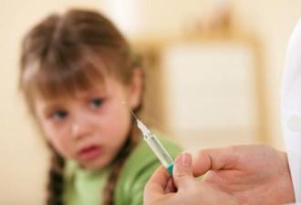 Мать делает своей 8-летней дочке инъекции ботокса (8 фото)