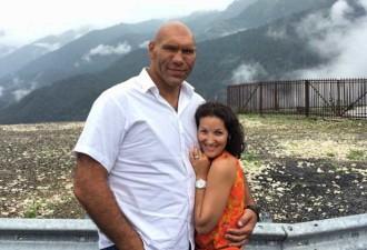 Вот как выглядит жена Николая Валуева. Эта идеальная пара вместе уже почти 17 лет! (12 фото)