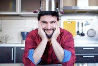 Забавная история о муже, не умеющем готовить, который остался с маленькой дочкой