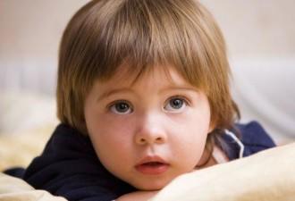 Этот ребенок хотел знать, сколько лет было его матери, когда он родился