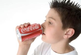 Доктор Комаровский отвечает на вопрос «Вредит ли детскому организму Coca Cola?»