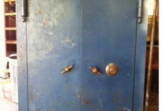 После смерти бабушки наследники обнаружили сейф. Содержимое впечатляет! (7 фото)