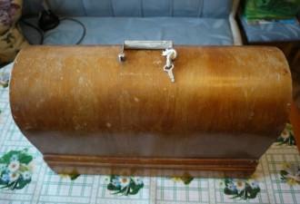 Если у вас осталась советская швейная машинка — не спешите выбрасывать (12 фото)
