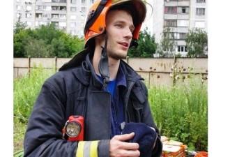 Пожарный спас шестерых людей ценой собственной жизни (5 фото)