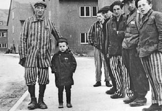 Реальная история мальчика, тайно жившего в концлагере Бухенвальд (7 фото)