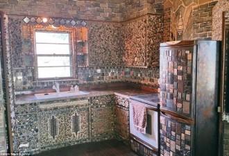 Долгих 35 лет эта женщина украшала свой дом. Увидев результат, я пришла в восторг! (10 фото)