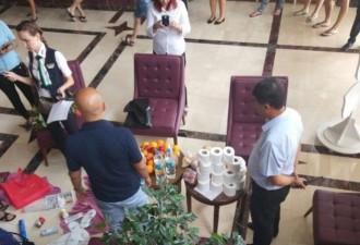 Туристов поймали с полными чемоданами при выселении из турецкого отеля
