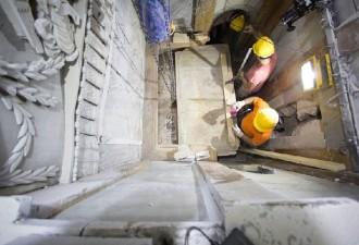 Впервые с 1555 года ученые вскрыли гроб Христа. Вот что они там нашли… (10 фото)