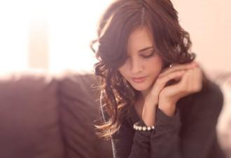 Три женские привычки, которые всегда отпугивают мужчин