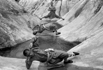 Чудеса, которые вытворяют Шаолиньские монахи (7 фото)