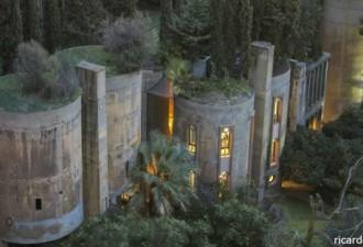 Он купил старый цементный завод и сделал из него невероятный дом! (13 фото)