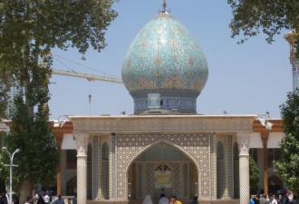 Снаружи это обычная мечеть, но у тебя отвиснет челюсть, когда ты увидишь, что находится внутри! (8 фото)