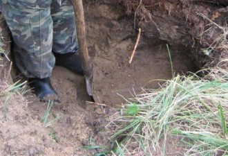 Схрон офицера вермахта времен Великой Отечественной войны (8 фото)