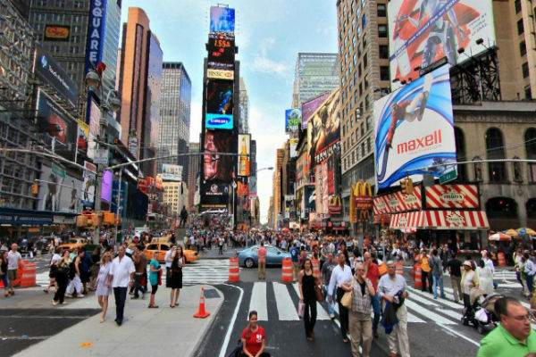 6152255-r3l8t8d-650-times_square_newyorkcity_angelorensanzfoundation-1