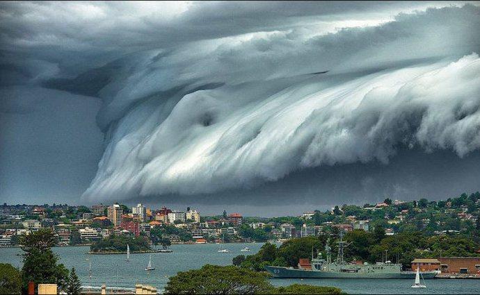 neobiknovennih-oblakov