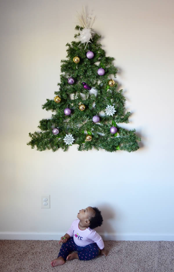 a99889_child-proof-xmas_11