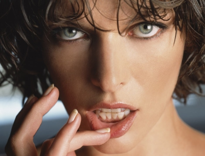 Loginova-and-Milla-Jovovich-16