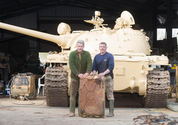 Man-finds-£2-million-of-gold-in-tank_1-680x481