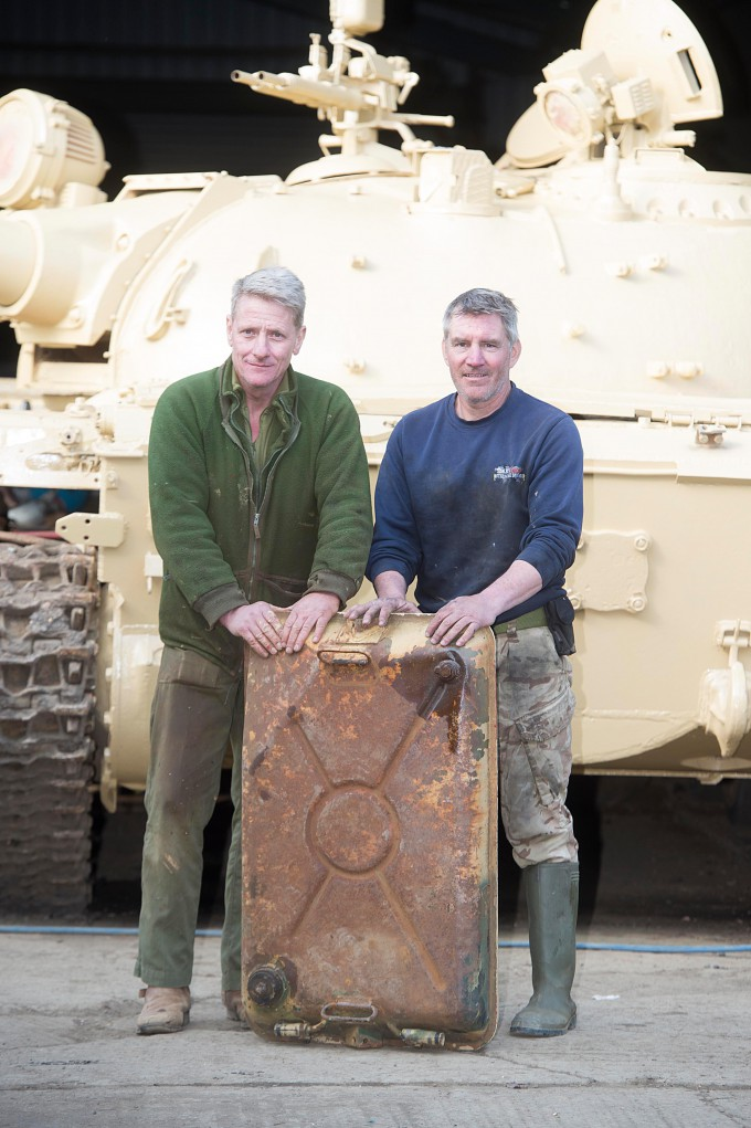 Man-finds-£2-million-of-gold-in-tank_2-680x1021