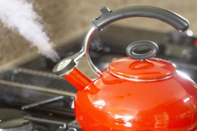 kettle-red-lg_a0_146156679154