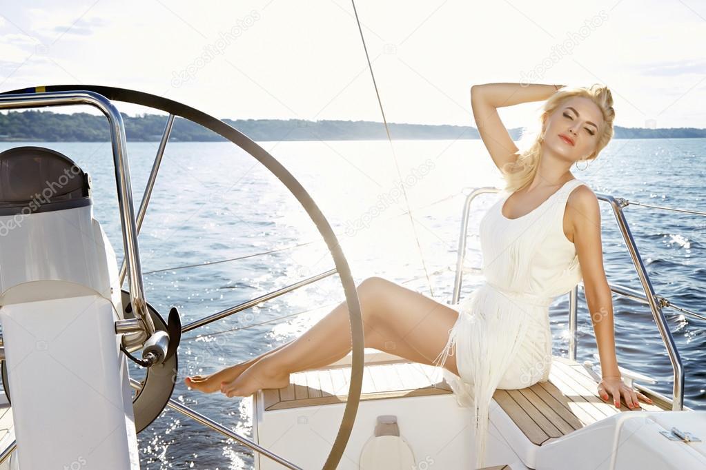 depositphotos_95745208-stock-photo-beautiful-sexy-young-blonde-woman