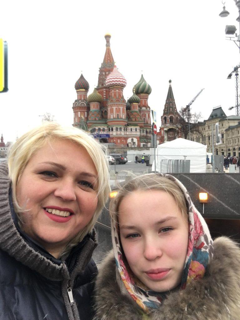 Мария Афанасьева, автор работы «Спасение не рядовой Марии», с мамой Александрой Ивановной