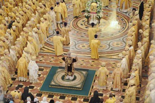 Рисунок 4. Храм Христа Спасителя. Изображение символа массонов на полу.