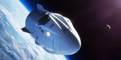 Рис.2 Космический шаттл Crew Dragon